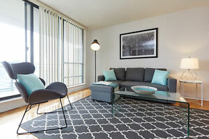 WEEKLY 2 bedroom FURNISHED & EQUIPPED in prime Toronto location.