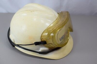ORIGINAL UNION 76 HARD HAT WITH GOGGLES - GREAT DISPLAY PIECE