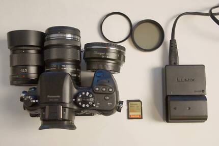 Panasonic GH4 camera - almost new + 2 lenses.