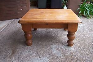 pine colonial coffee table Ulladulla Shoalhaven Area Preview