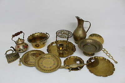 15 x Vintage BRASS Kitchenalia Inc. Teapot, Crocodile Nutcracker Etc (4546g)