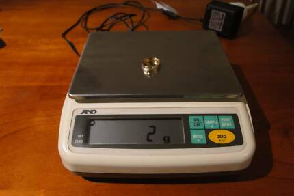 AND EW-3000G Scale Measures up to 3kg  - Made in Japan