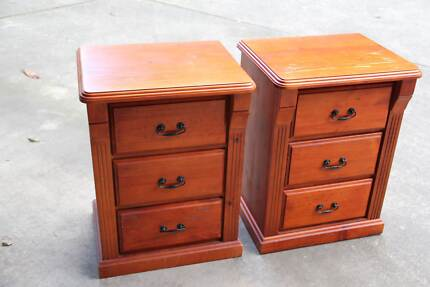 A pair of solid bedside tables Parramatta Parramatta Area Preview