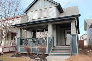 GORGEOUS 4-BEDROOM,3.5 BATH 2-STOREY HOME IN CUMBERLAND