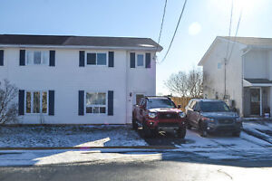 3BR, 1.5 Bath, 2 Level Semi situated on fenced lot in Timberlea!