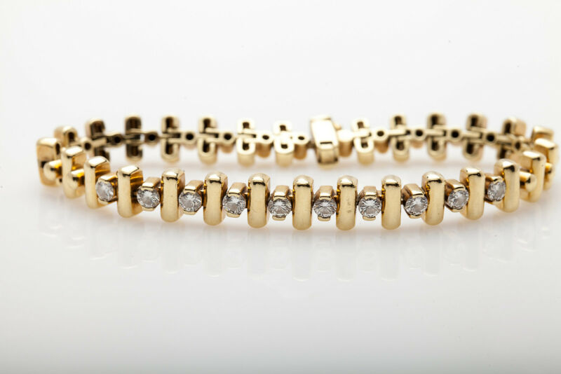 Signed Jose Hess $14,000 2.50ct Vs G Diamond 18k Yellow Gold Bracelet 34g