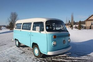 Beautiful VW Bus for sale