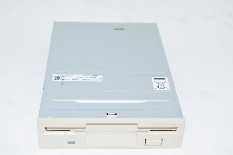 NEW TEAC 193077C2-91 DISK DRIVE 1.44MB 3.5IN