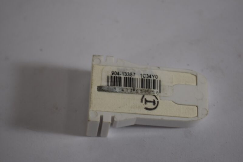 NEW Leviton 904-13357 1C34Y0 Lamp Holder
