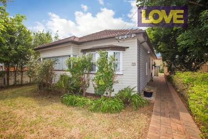 Perfect Home for Students or Families! Offers over $480 per week