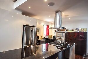 Very large condo for sale near the st-Lawrence