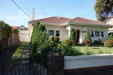 BEDROOM AVAILABLE IN CUTE CAULFIELD NORTH SHAREHOUSE Caulfield North Glen Eira Area Preview