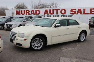 2010 Chrysler 300 !!! LEATHER !!!