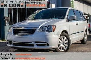 2014 Chrysler Town & Country Touring | STOW N' GO | BLUETOOTH