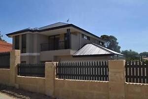 Executive 4 Bed 2 Bath Townhouse 1km from Hillarys Boart Harbour Hillarys Joondalup Area Preview