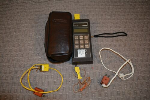 Omega Microprocessor Thermometer Type J-K & Cables and Case Model HH22