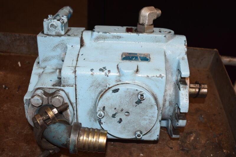 Vickers Tokimec PVQ63-C2R-FS1S-O-C21-11 Hydraulic Piston Pump Unit