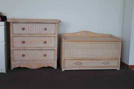 Draws and Toy Chest- Matching -  Ex cond