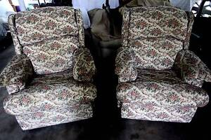 Lovely Recliner Floral Sofas Bomaderry Nowra-Bomaderry Preview