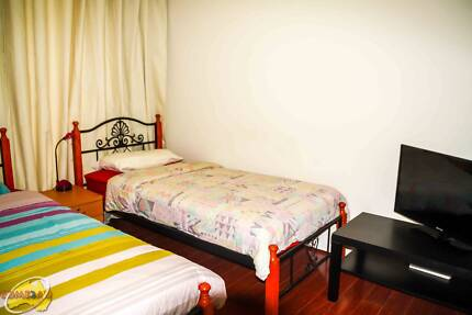 COMFORTABLE TWIN SHARED ROOM FOR 2 FRIENDS/COUPLE
