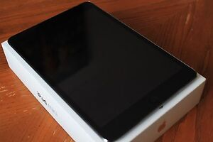Ipad Mini 2 Space gray 32gb + Package (Mint condition)