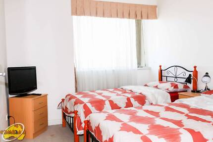 ELEGANT MASTER TWIN SHARED ROOM FOR ONE MALE ROOMIE