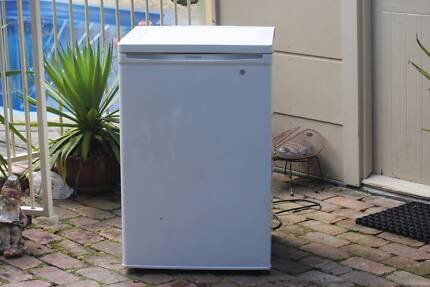 WESTINGHOUSE BAR FRIDGE 129 L good working and cosmetic cond. Grafton Clarence Valley Preview