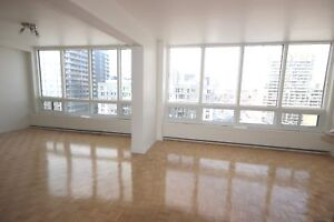 Renovated 2 bedroom available October 1st - DOWNTOWN - ATWATER