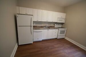 FABULOUS 2 BEDROOM JUST OFF JAMES ST N AND CLOSE TO BAY FRONT PA