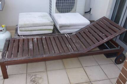 Free Wooden Sun Lounges