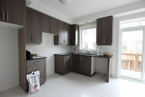 BRAND-NEW 3 Bedroom Home in Ancaster