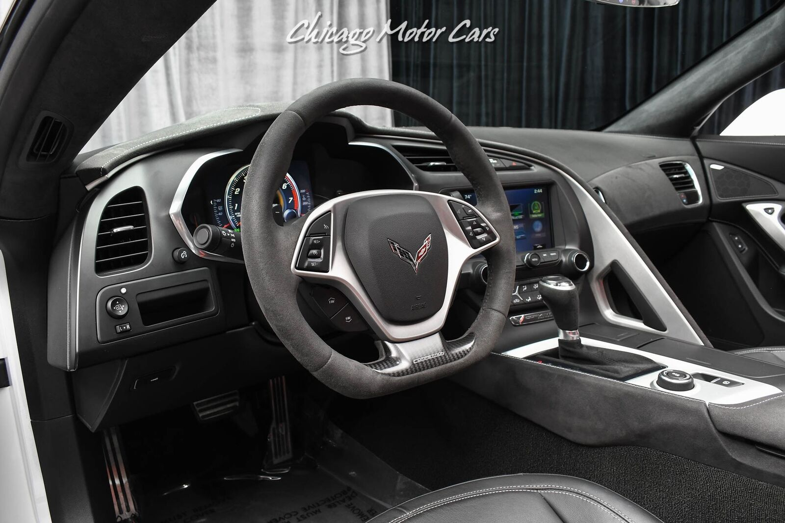 2016 White Chevrolet Corvette Stingray    C7 Corvette Photo 8