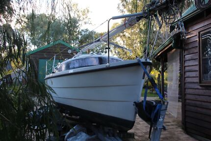 20ft Farr 6000 Trailer Sailer with trailer, outboard & tender