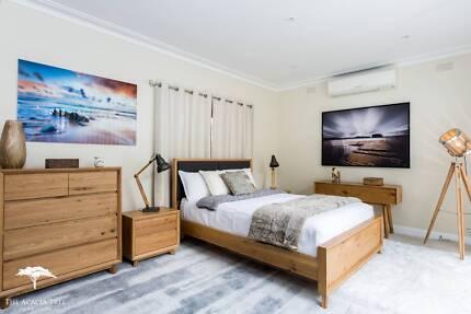 Superb Oak Hardwood Bed Frame Queen / King - NEW