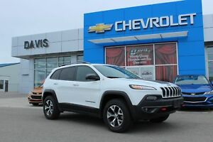 2016 Jeep Cherokee Trailhawk SELEC-TRAK, SD CARD READER, SUNROOF