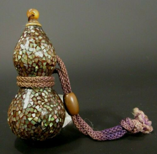 China Chinese Double Gourd Mother of Pearl laque burgaute Snuff Bottle 19-20th c