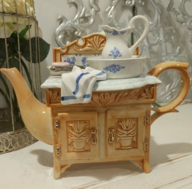 Paul Cardew Large Washstand Teapot England