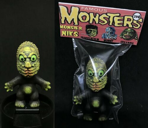 Universal Monsters Custom Made Piece The Mole People Monster Nik Troll Figure