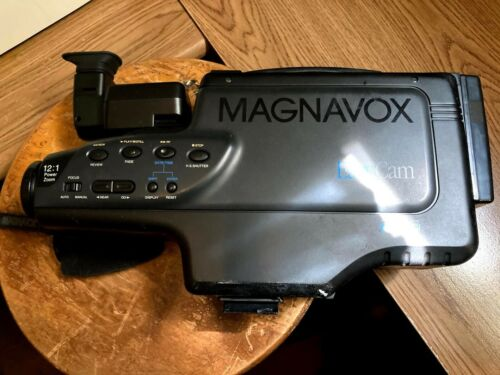 Vintage Magnavox Model CVT325AV01 VHS Video Camera Camcorder - Working