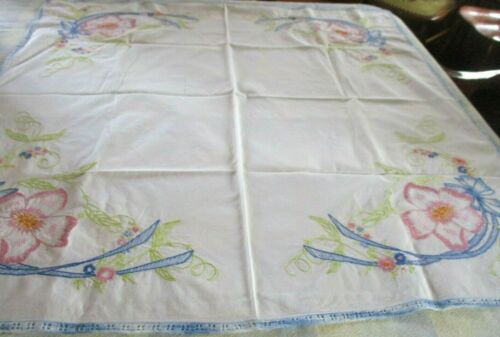 Vintage floral embroidered white cotton table cloth w/ blue crochet edge