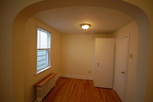 Great 1 Bach,  Downtown- Spring Garden Rd! AVAIL Jan.