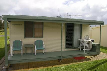Onsite caravan and solid annexe for sale at Stansbury