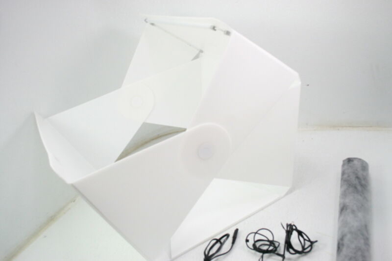 Foldio38809415351064 Portable 25 Inch Foldable Photo Shooting Studio Light Box