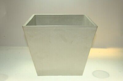 Strong GREY 12mm Thick 2.6Kg Plant Pot In/Outdoor Garden Height 26cm 31x31cm
