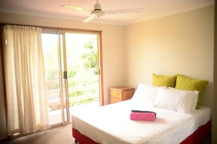 Comfortable Fully Furnished Bedroom for your short/long stay Cannonvale Whitsundays Area Preview