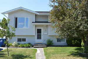 FAMILY Home next to the PARK - Blackfalds