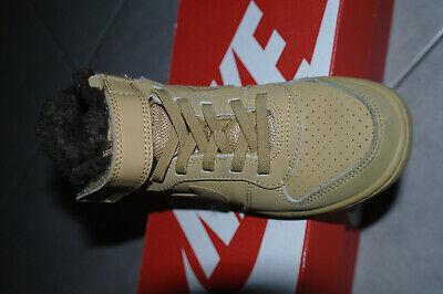 Nike court borough mid wtr psv 29.5 marron en tres bon etat