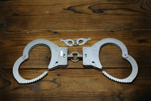 "Russian Handcuffs model ""BKS-1""."