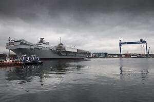 Royal Navy Ship HMS Queen Elizabeth at Rosyth Dockyard Scotland Photo 12x8 Inch