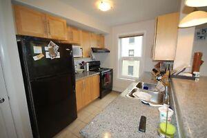 Large 2 Bed+DEN, 2 Bath at W Suites, 5 Appliances! AVAIL NOW